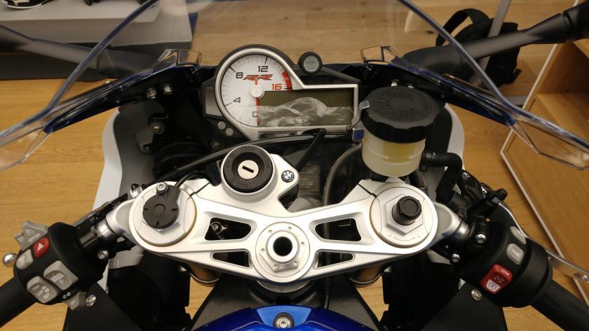 Testing Bmw S1000rr Bmw S1000rr Review By Akash Dolas