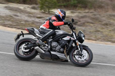Triumph Street Triple RS and S Comparison
