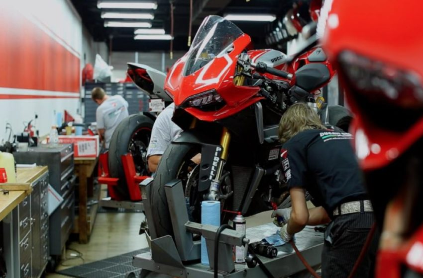 Way to carry out maintenance of Motorcycle