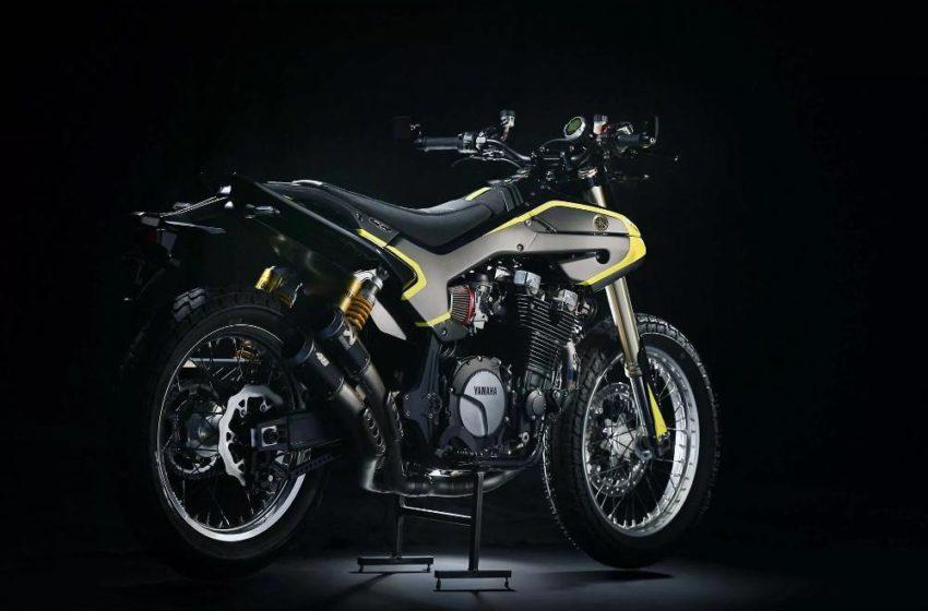 Valentino Rossi's Special Yamaha XJR1300 Flat Tracker
