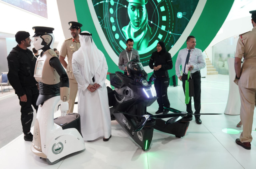 Dubai police inducts flying motorcyle Hoversurf
