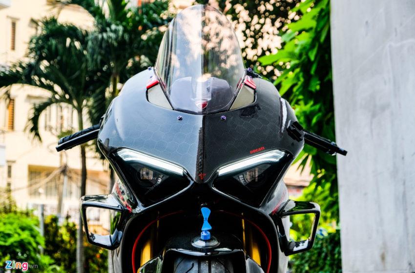 Carbon Fiber studded custom Ducati V4 from Vietnam